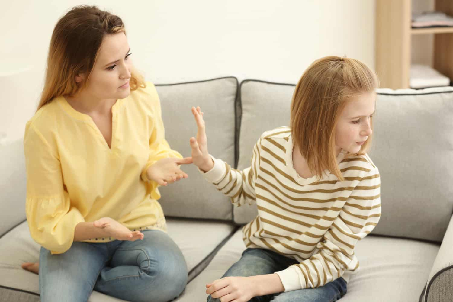 Mother arguing with daughter.